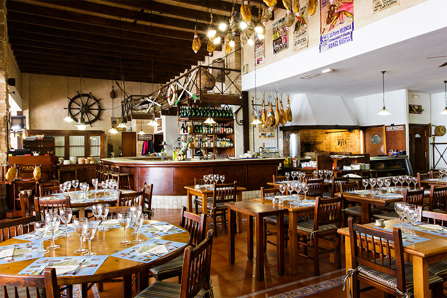 Bodega des port - Our restaurant areas